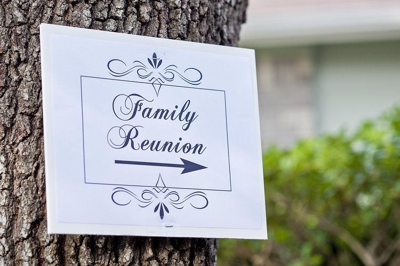 Family%20Reunion%20Sign_edited.jpg