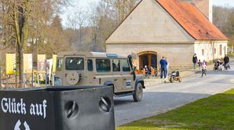 Land-Rover_5000px.jpg