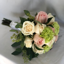 Pink roses & green carnations bouquet