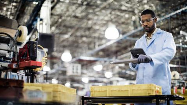 manufacturing-inventory-scan-rwd.jpg.ren