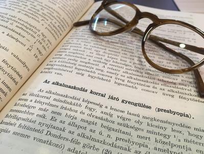 Mi az a presbyopia (öregszeműség) és hogyan tudsz megbirkózni vele?