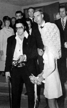 dick-grob-elvis-wedding3.webp