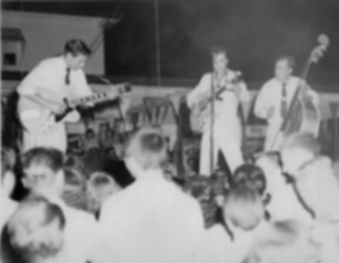 1955-july-15-joy-drive-in-theatre2.jpg