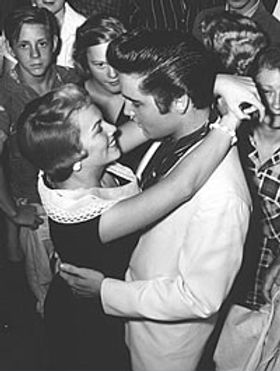 anita_wood_elvis_aug_27_57_2.jpg