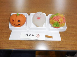 お茶会のお菓子.JPG