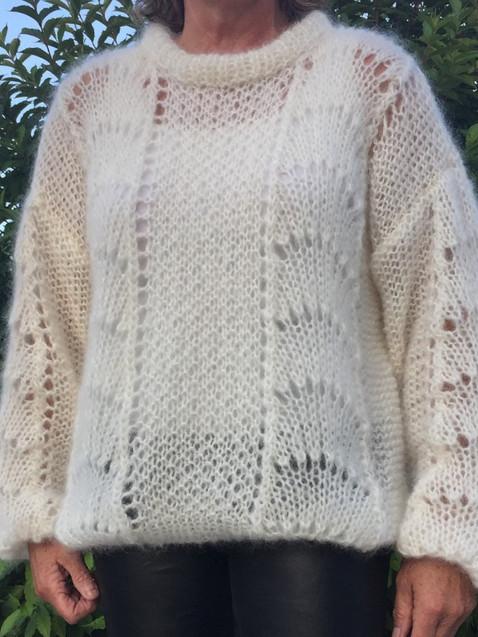 Wave sweater summermodel