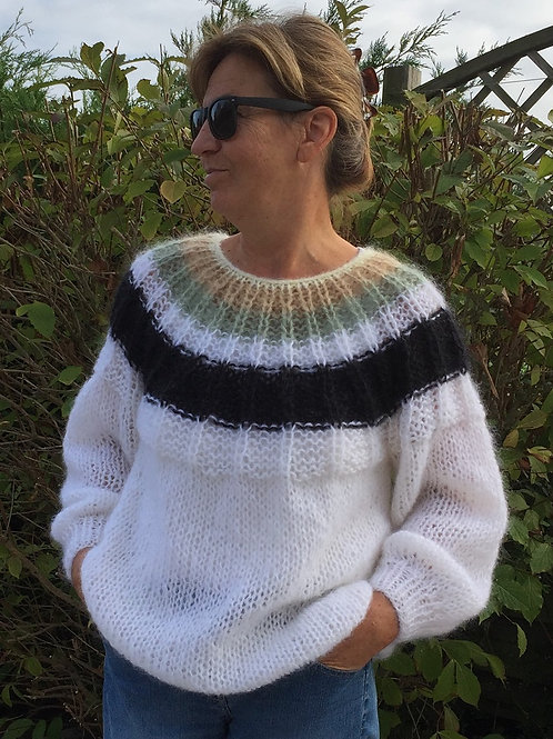 PLEAT sweater