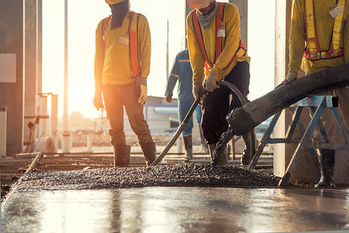 concrete-pouring-during-commercial-concr