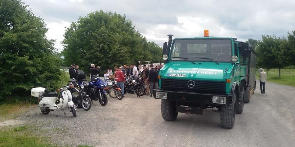 Traktor und 49 ccm Ausfahrt