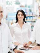 tres farmacéuticos