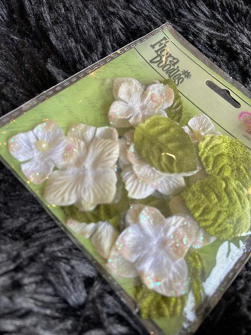 Fleurs et feuilles en tissus Petaloo
