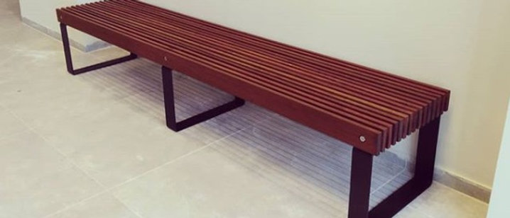 ספסל עץ איפאה מעוצב