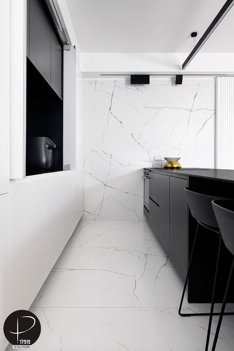 מטבח מודרני טכנולוגי שחור לבן (8).jpg
