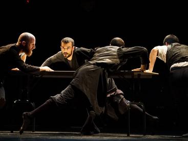 נולדו לרקוד: להקת המחול שסוחפת את הגברים הדתיים / דני זקן, אל-מוניטור