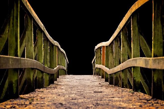 מעבר על גשר