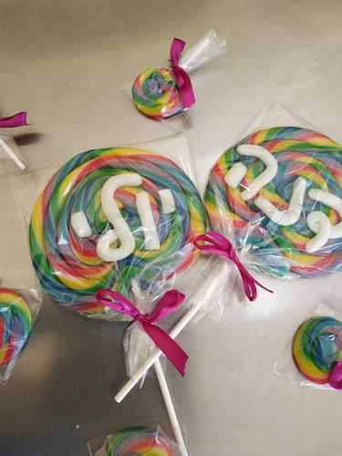 ToMo Candy - Lollipops.jpg