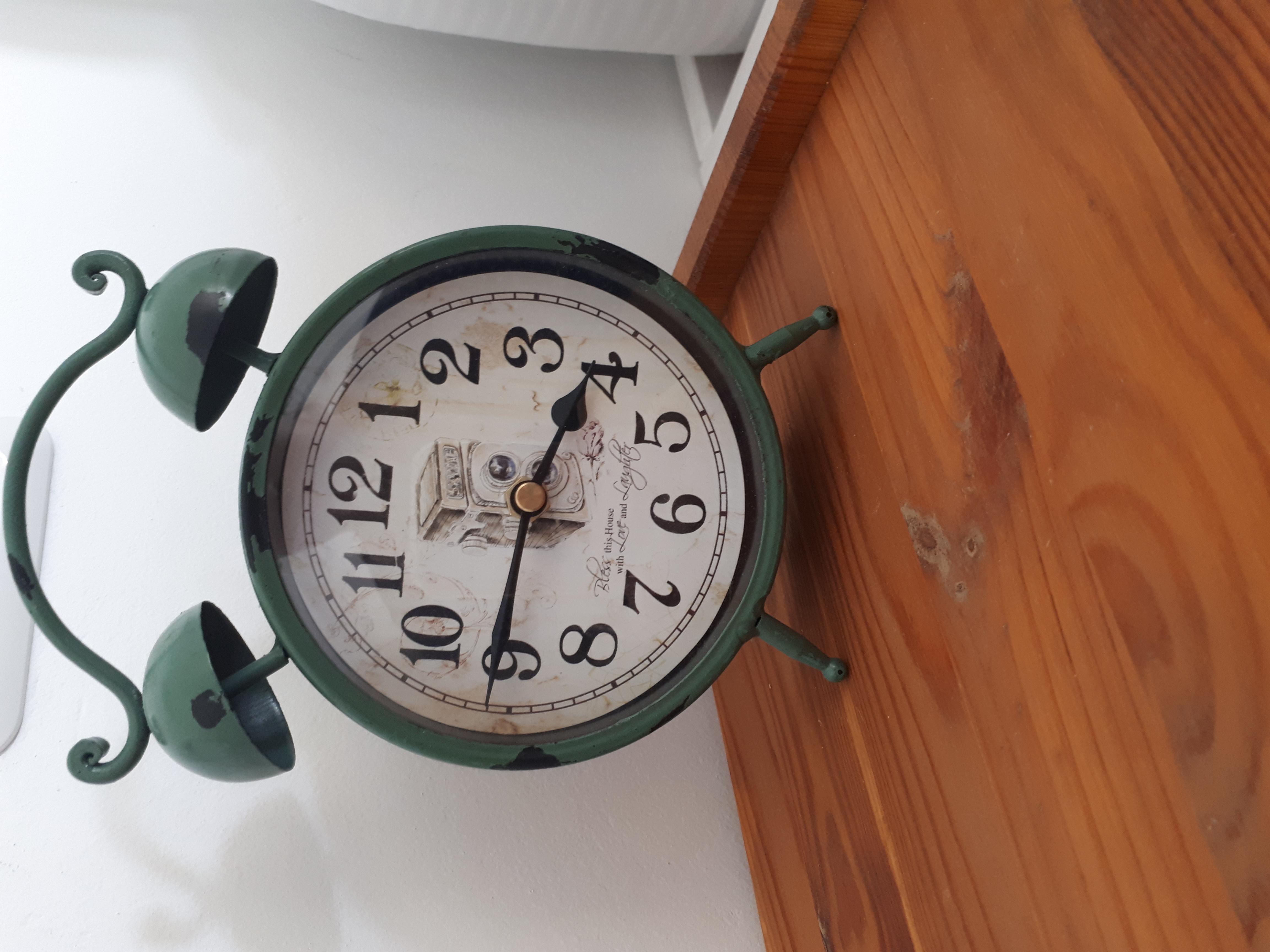 נוף בראשית - שעון וינטג'