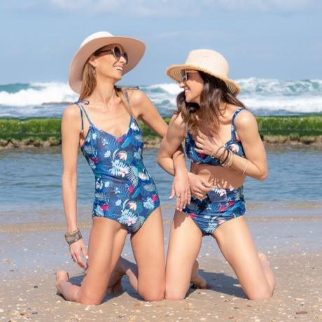 בגד ים כחול אקזוטי