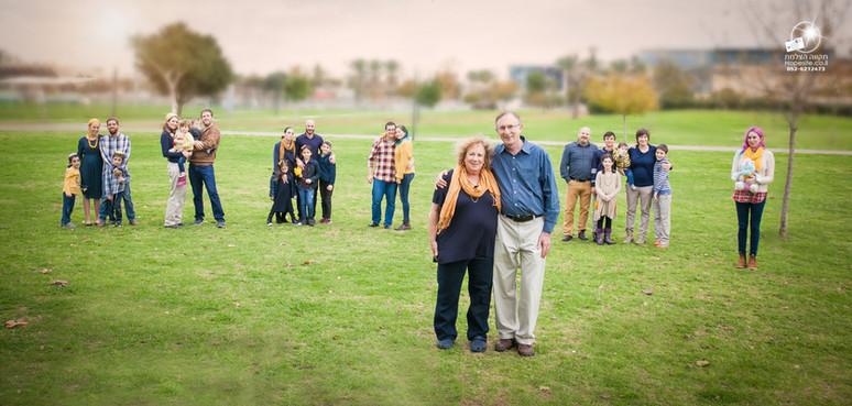 תקוה מהבד צילום משפחה מורחבת