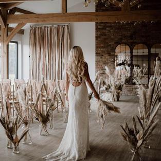 Emmy-shoots-bridal-411.jpg