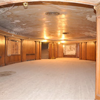 oval room by ramblingvandog.jpg