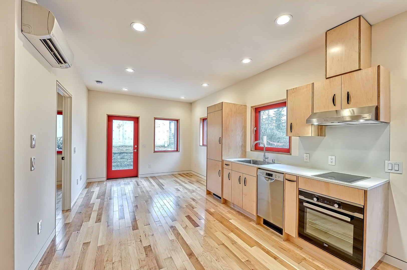 1141 Grant St. ADU Kitchen and Living Rm