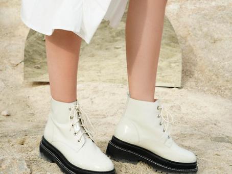 Keep those feet warm footy mums