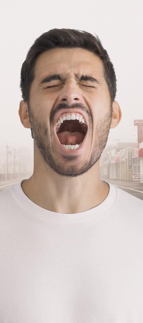 Mann schreit