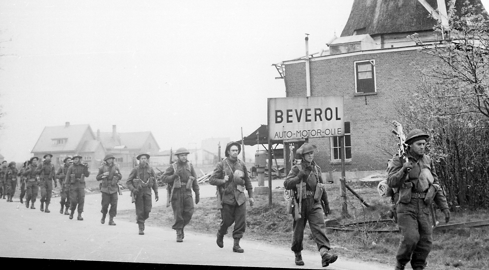 Holten-Rijssen_April_1945_edited.png