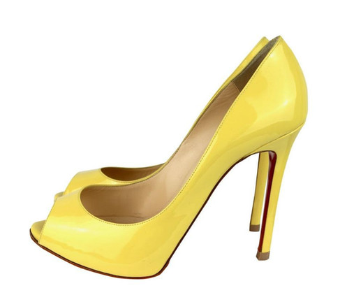 half off c374a 5716a Christian Louboutin Pumps
