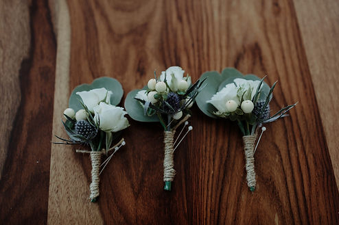 Wedding flowers Sydney. Garden style wedding flowers Sydney. Romantic wedding flowers Sydney. Affordable wedding flowers Sydney.hered Floral rustic buttonhole