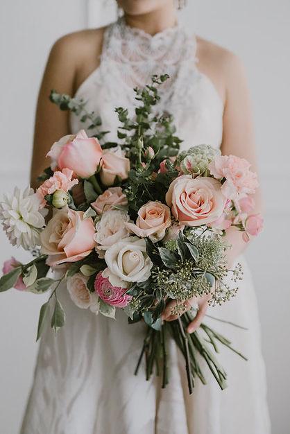Wedding flowers Sydney. Garden style wedding flowers Sydney. Romantic wedding flowers Sydney. Affordable wedding flowers Sydney.