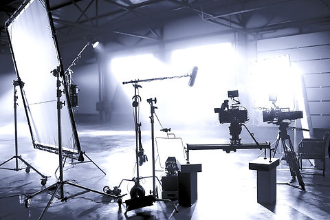 Profesional%252520video%252520studio.Behind-the-scenes%252520of%252520a%252520video%252520shooting.B