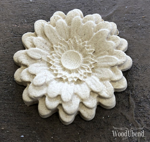 Classic Rounded Petal Flower