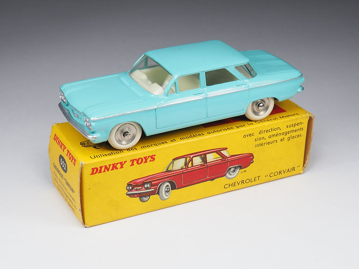 DINKY TOYS FRANCE - 552 - CHEVROLET CORVAIR - 1/43e