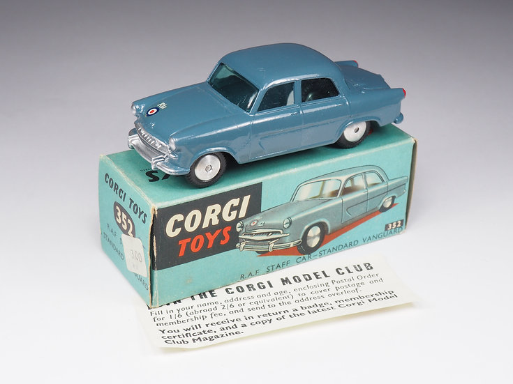 CORGI - 352 - RAF STAFF CAR STANDARD VANGUARD - 1/43e