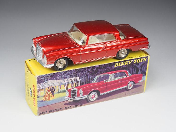 DINKY TOYS FRANCE - 533 - MERCEDES BENZ 300SE COUPE - 1/43e