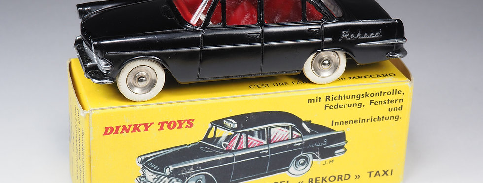 DINKY TOYS FRANCE - 546 - OPEL «REKORD» TAXI