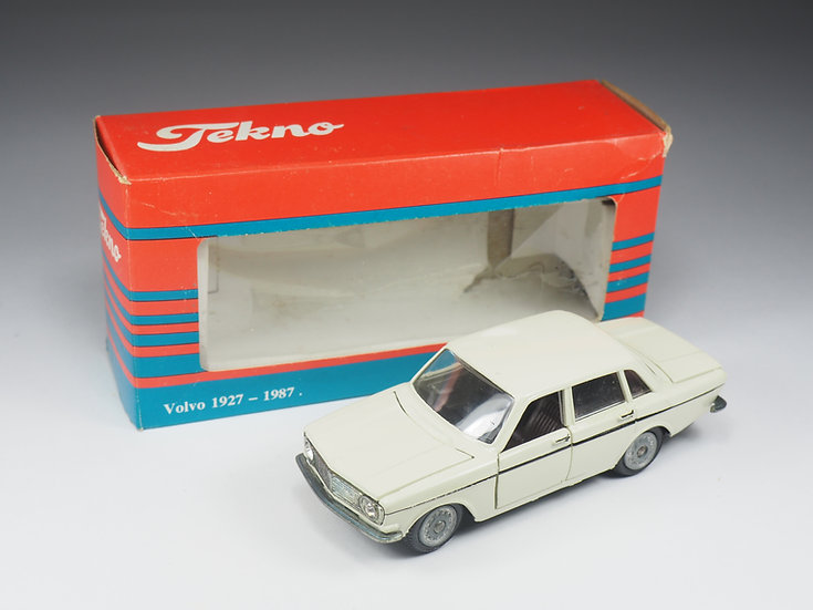 TEKNO - 835 - VOLVO 144 BERLINE- 1/43e