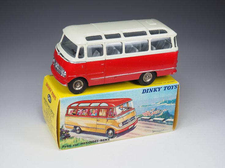 DINKY TOYS FRANCE - 541 - MERCEDES BENZ AUTOCAR - 1/43e