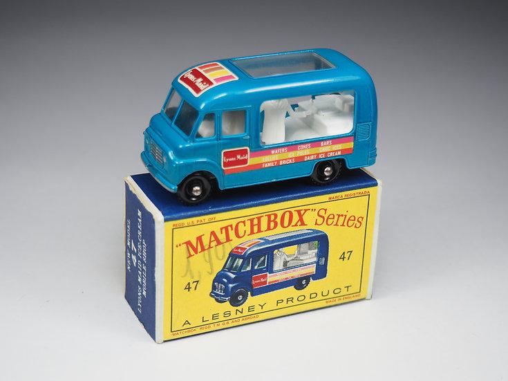 MATCHBOX - 47b - COMMER LYONS ICE CREAM VAN