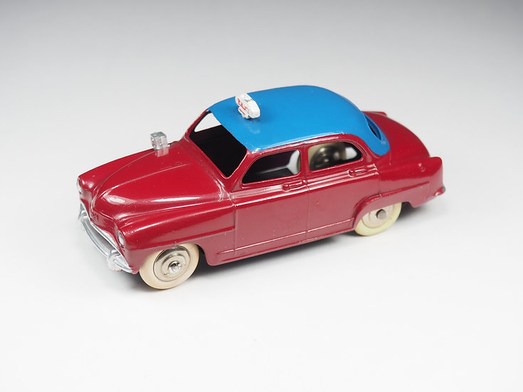 DINKY TOYS FRANCE - 24UT - SIMCA ARONDE TAXI