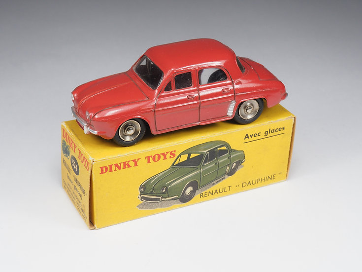 DINKY TOYS - 524 - RENAULT DAUPHINE - JANTES CONCAVES - 1/43e