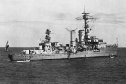 EMDEM crucero ligero fondeado en La Palma