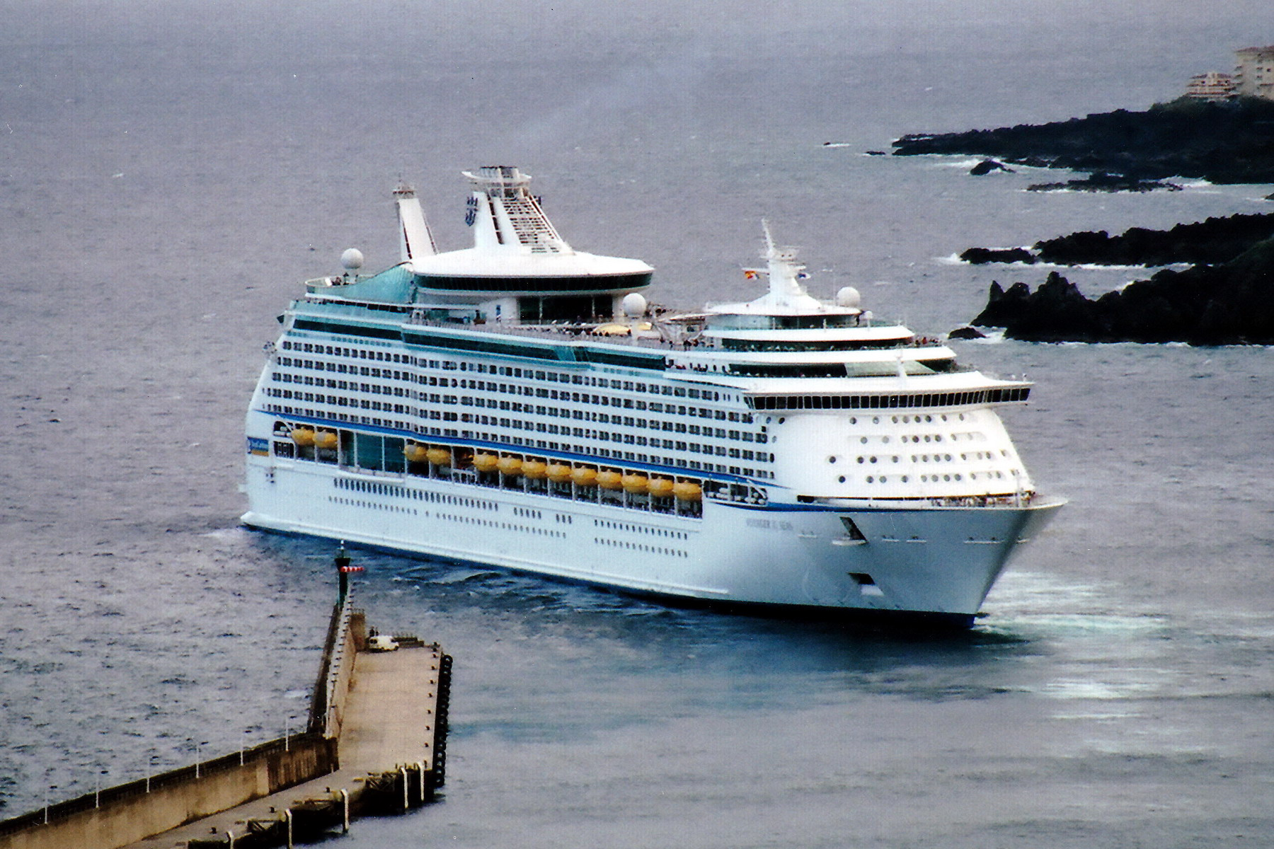 11VOYAGER_OF_THE_SEAS_9161716_©Noray_(2)