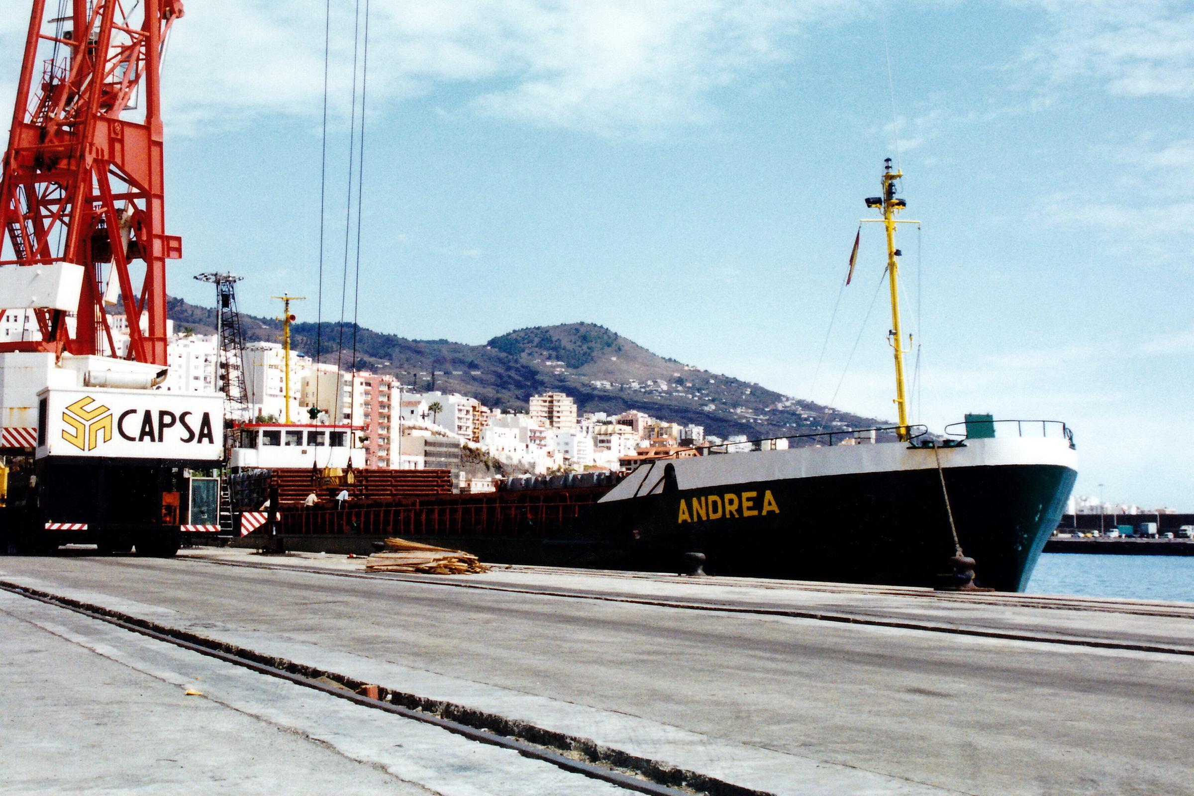 ANDREA_8104591_©Jorge_L._Henríquez_Hernández._27_septiembre_2002._Primera_escala_(1)