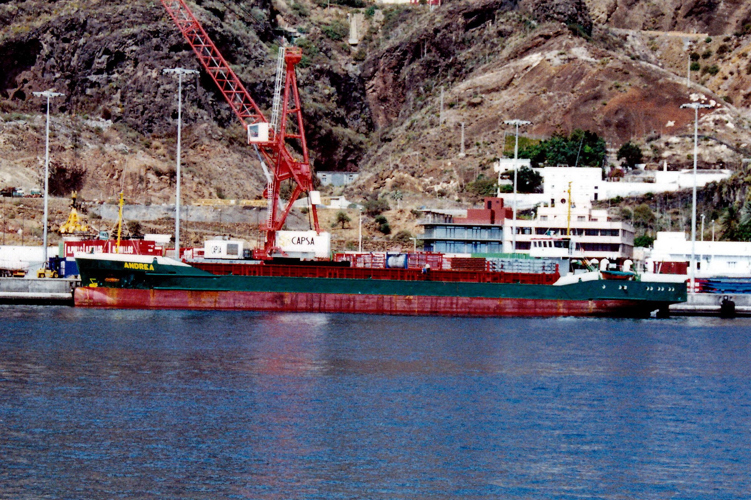 ANDREA_8104591_©Jorge_L._Henríquez_Hernández._27_septiembre_2002._Primera_escala_(2)