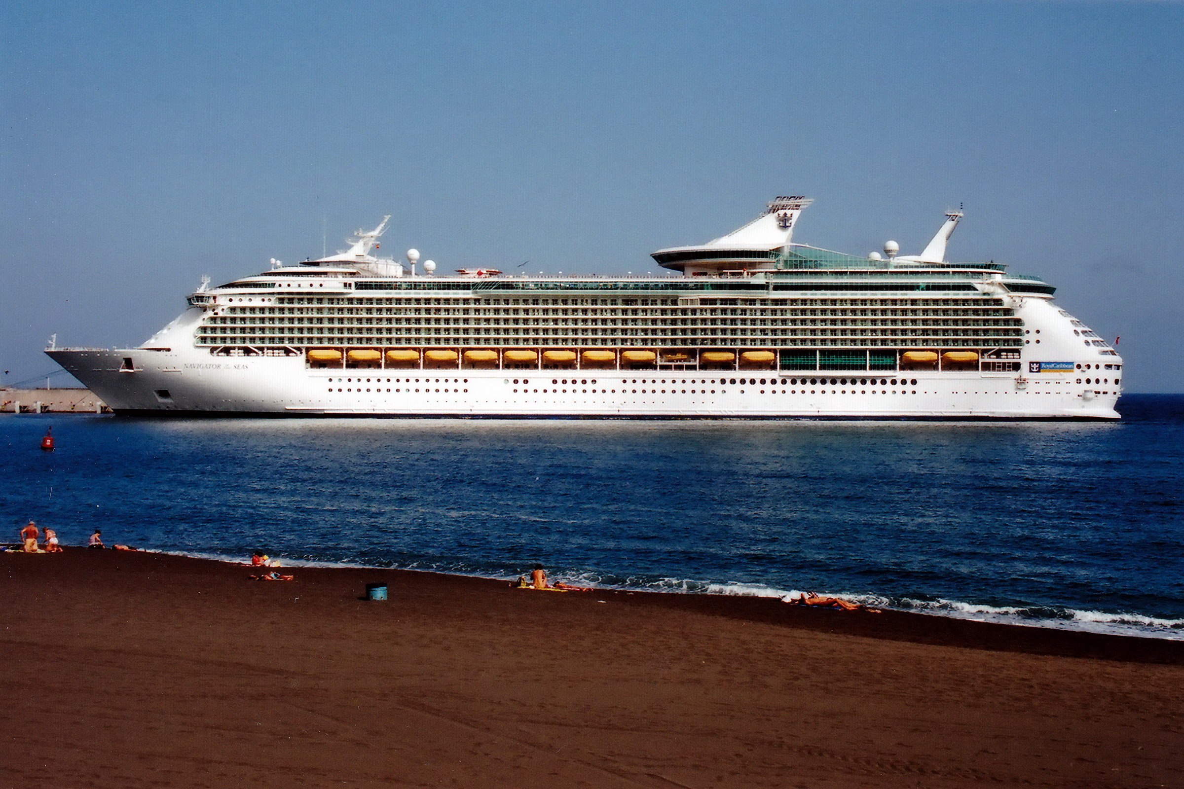 NAVIGATOR_OF_THE_SEAS_9227508__©Noray_(1