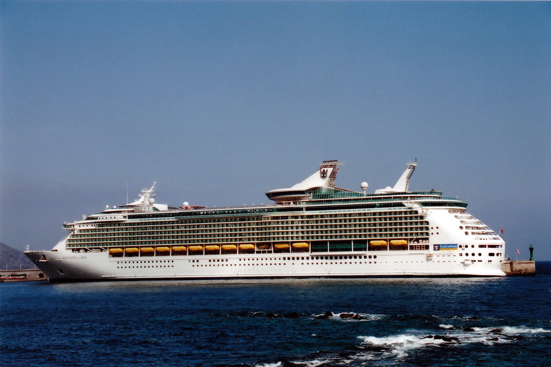 NAVIGATOR_OF_THE_SEAS_9227508__©Noray_(8