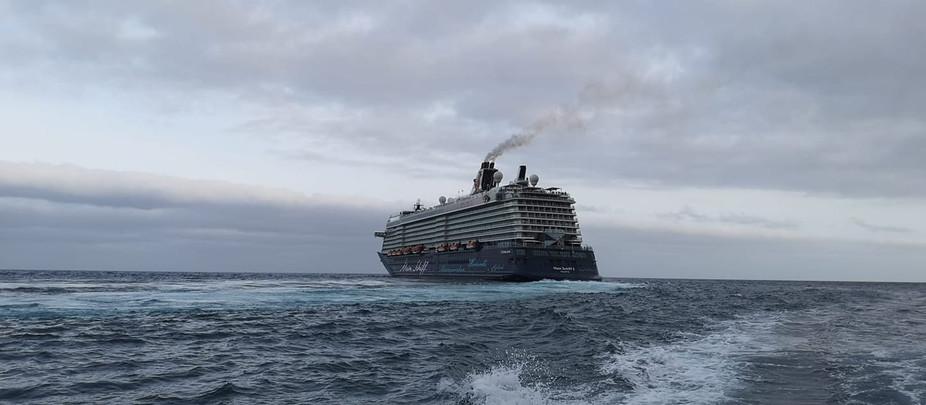 Los buques de pasaje no podrán entrar en los puertos españoles en dos semanas